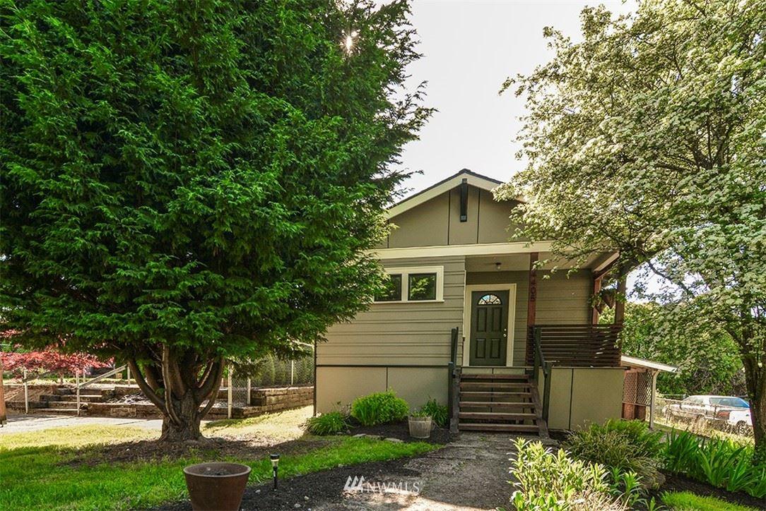 Photo of 4405 26th Avenue SW, Seattle, WA 98106 (MLS # 1771150)