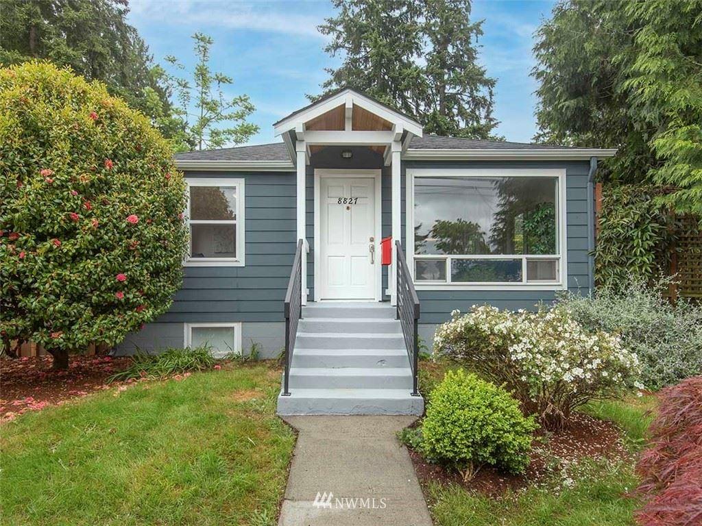 Photo of 8827 15th Avenue NE, Seattle, WA 98115 (MLS # 1784150)
