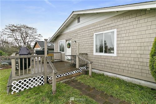 Photo of 409 E 62nd St, Tacoma, WA 98404 (MLS # 1693153)
