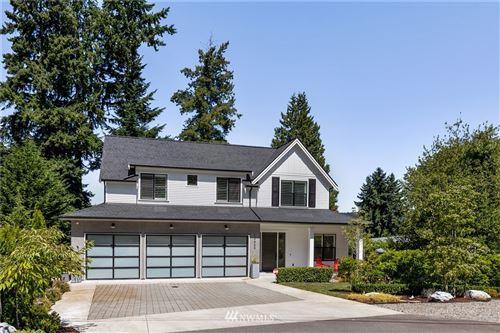 Photo of 10020 NE 30th Place, Bellevue, WA 98004 (MLS # 1809153)