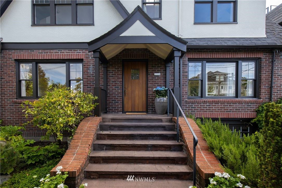 Photo of 2316 11th Avenue E, Seattle, WA 98102 (MLS # 1791155)