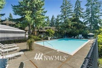 Photo of 1420 153rd Avenue NE #4601, Bellevue, WA 98007 (MLS # 1720157)
