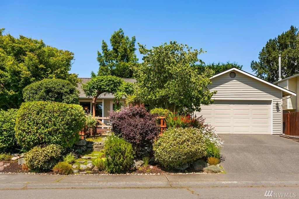 Photo of 1319 232nd Place SW, Bothell, WA 98021 (MLS # 1496157)