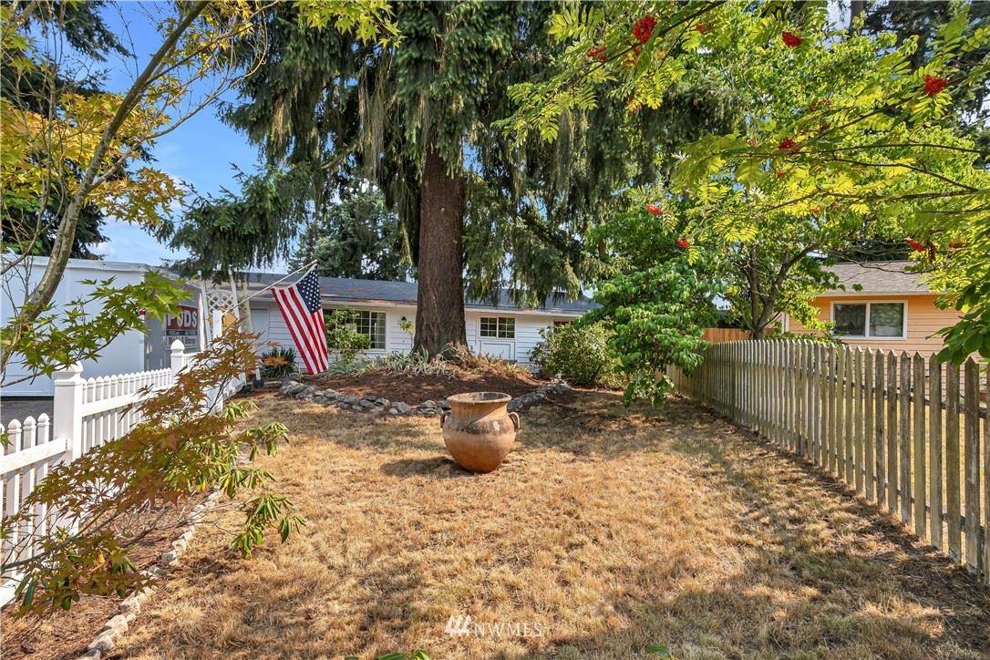 Photo of 214 76th Place SW, Everett, WA 98203 (MLS # 1817157)