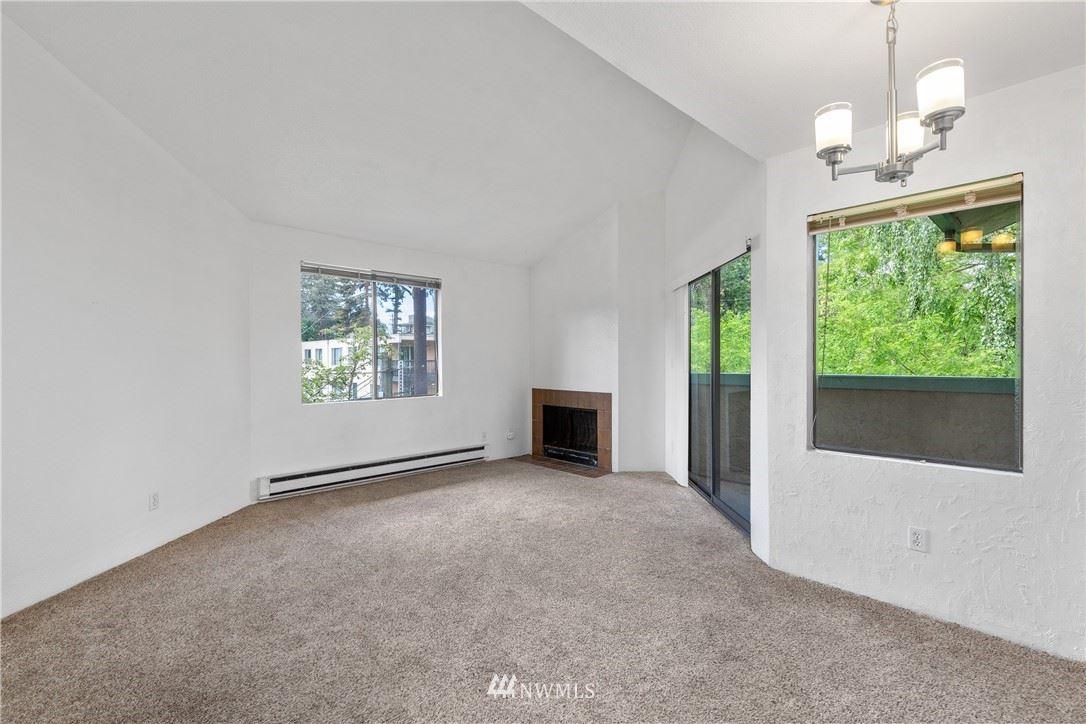 Photo of 3024 NE 143rd Street #302, Seattle, WA 98125 (MLS # 1777158)