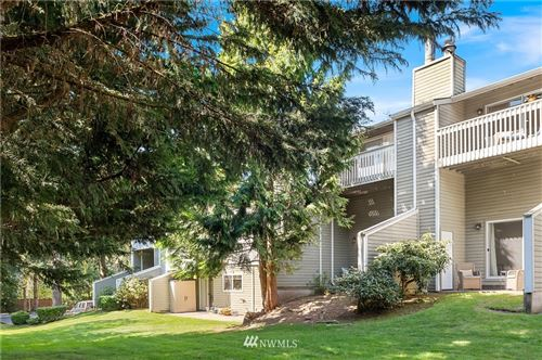 Photo of 10017 NE 124th Street, Kirkland, WA 98034 (MLS # 1758160)