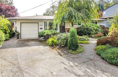 Photo of 3201 SW 114th Street, Seattle, WA 98146 (MLS # 1677161)
