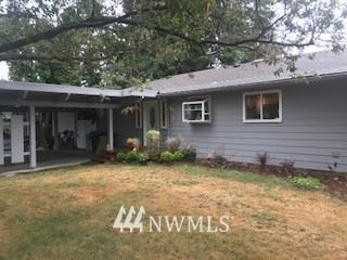 Photo for 810 E Hoag, Mount Vernon, WA 98273 (MLS # 1830162)