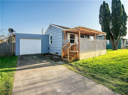 Photo of 306 Cypress Street, Longview, WA 98632 (MLS # 1737163)