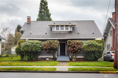 Photo of 622 W Pioneer Ave, Puyallup, WA 98371 (MLS # 1584164)
