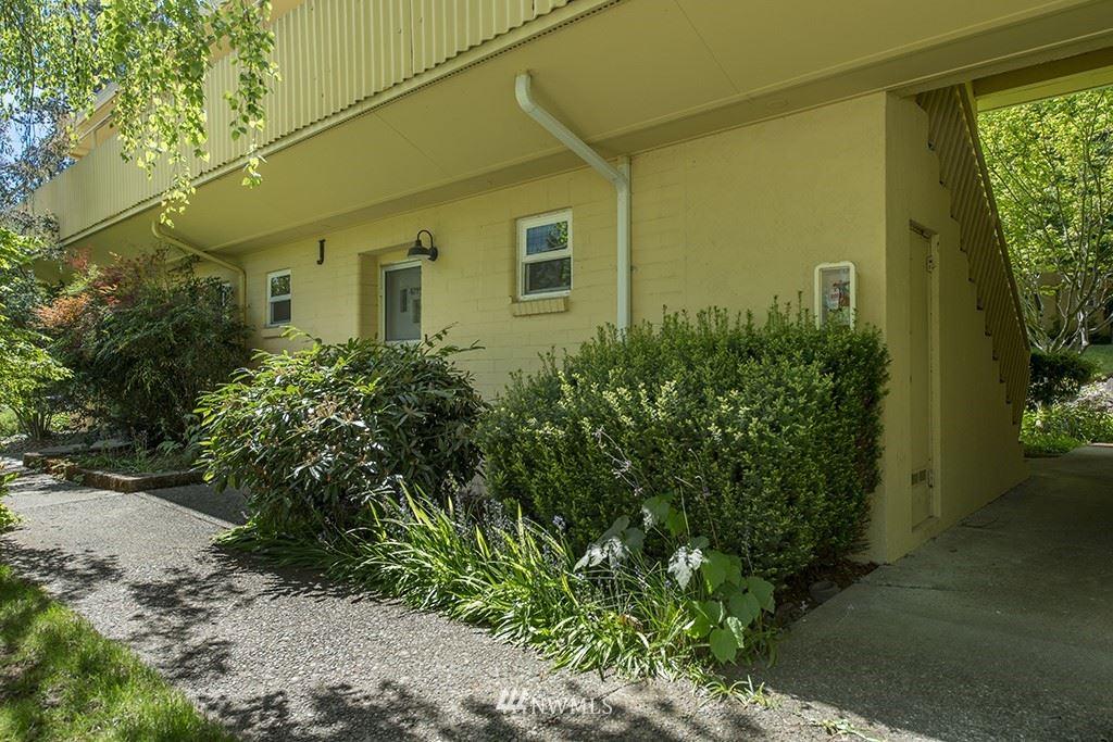 Photo of 4729 40th Avenue NE #4729, Seattle, WA 98105 (MLS # 1772165)