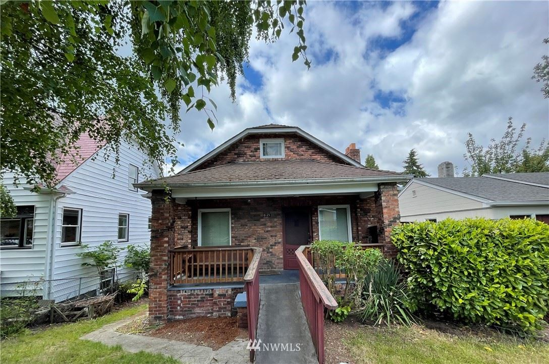 Photo of 8121 16th Avenue SW, Seattle, WA 98106 (MLS # 1778165)