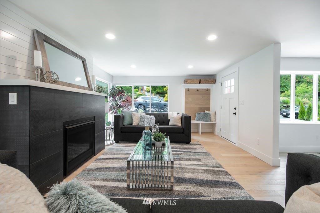Photo of 9220 17th Avenue NE, Seattle, WA 98115 (MLS # 1791165)