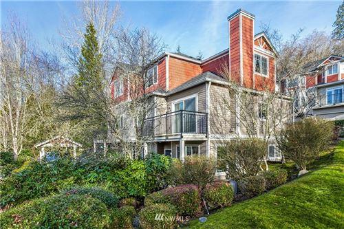 Photo of 2628 139th Avenue SE #6, Bellevue, WA 98005 (MLS # 1719166)