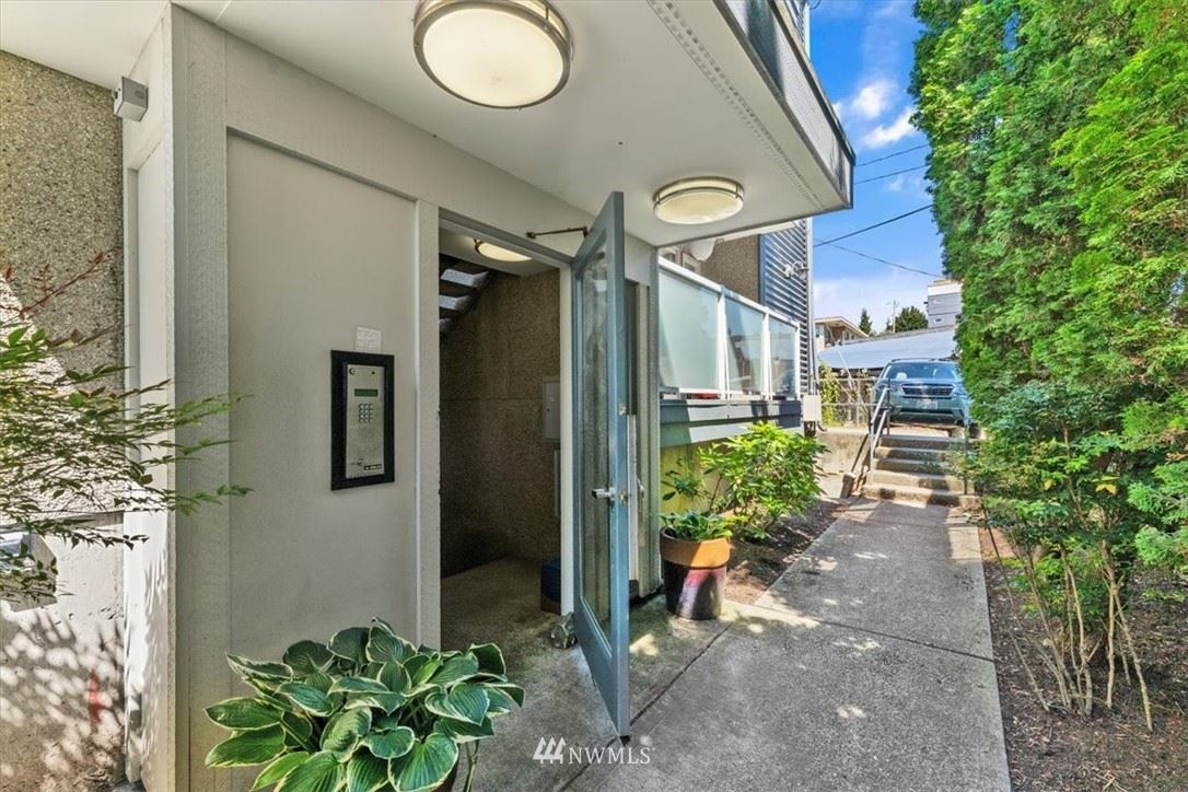 Photo of 812 N 42nd Street #201, Seattle, WA 98103 (MLS # 1786167)