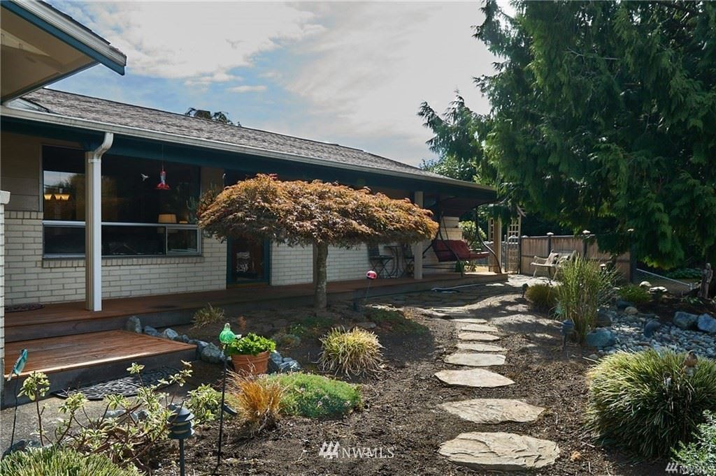 Photo of 11618 SE 258th Street, Kent, WA 98030 (MLS # 1683168)