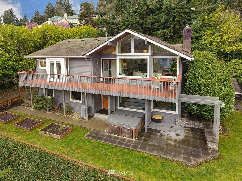 Photo of 12752 42nd Avenue NE, Seattle, WA 98125 (MLS # 1736168)