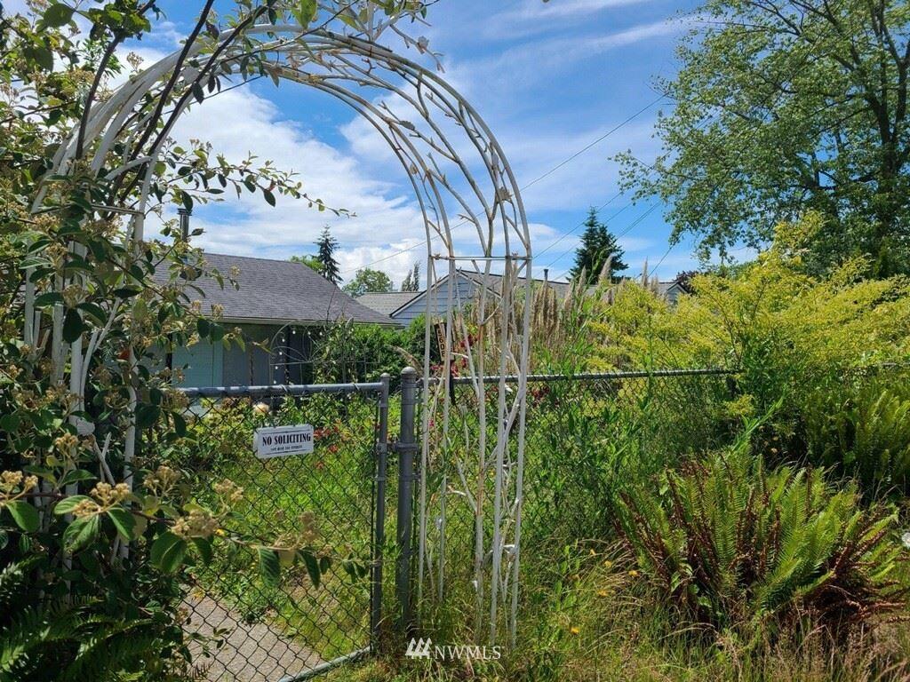 Photo of 5608 240th Street SW, Mountlake Terrace, WA 98043 (MLS # 1793170)