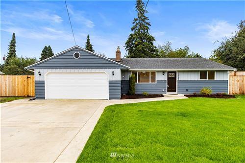 Photo of 10723 Woodland Avenue E, Puyallup, WA 98373 (MLS # 1846171)
