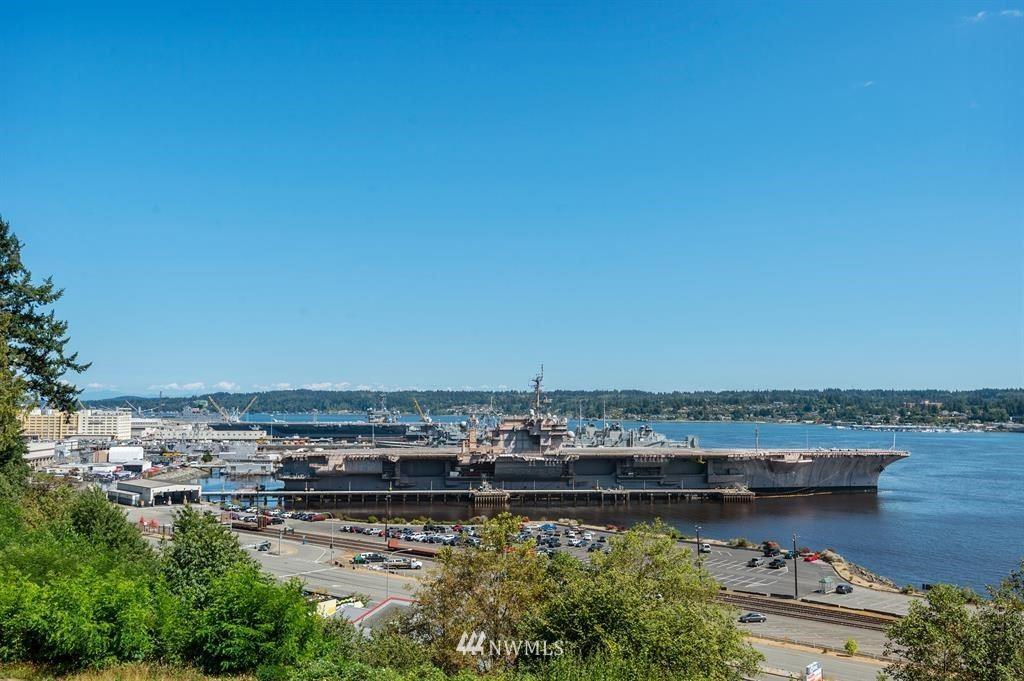 Photo of 825 Merrill Place W, Bremerton, WA 98312 (MLS # 1644171)