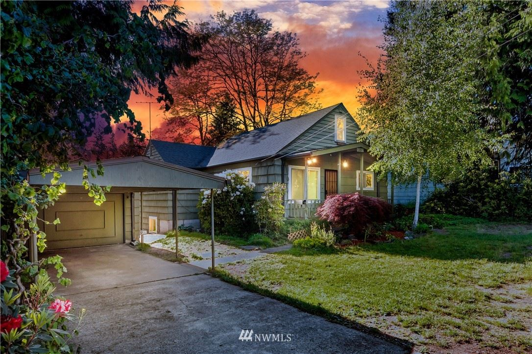Photo of 13017 30th Avenue NE, Seattle, WA 98125 (MLS # 1781172)