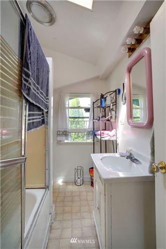 Tiny photo for 1135 S 6th St, Mount Vernon, WA 98273 (MLS # 1640176)
