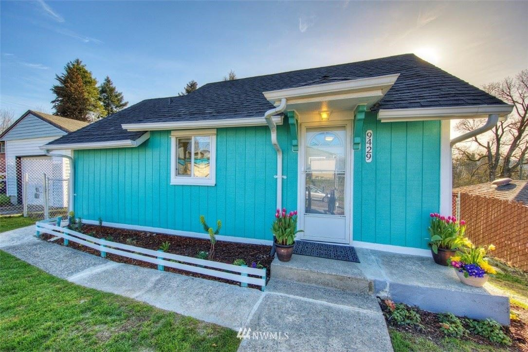 Photo of 9429 Haraden Place S, Seattle, WA 98118 (MLS # 1749176)