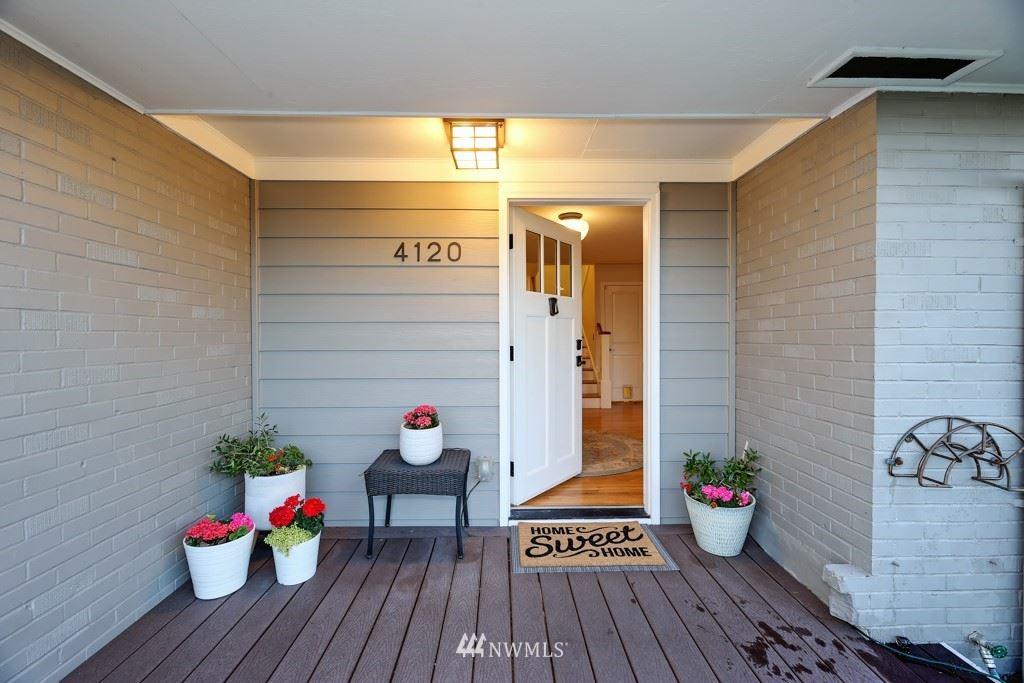Photo of 4120 SW 107th Street, Seattle, WA 98146 (MLS # 1776177)