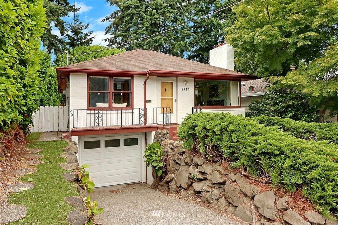 4425 29th Avenue W, Seattle, WA 98199 - #: 1810181