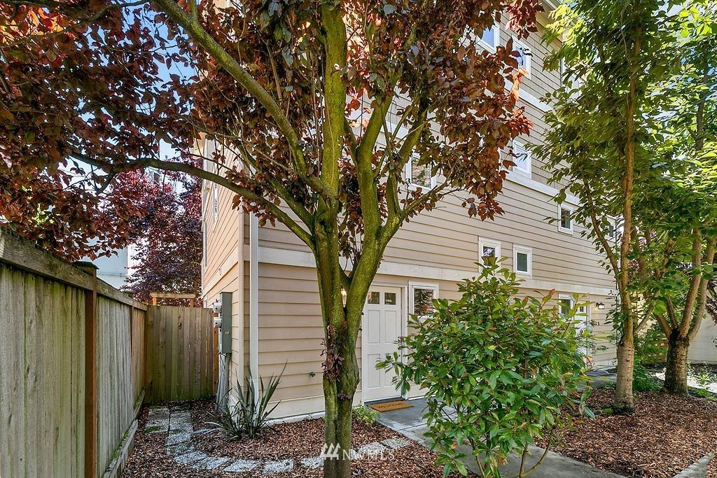Photo of 2344 44th Avenue SW #A, Seattle, WA 98116 (MLS # 1788183)