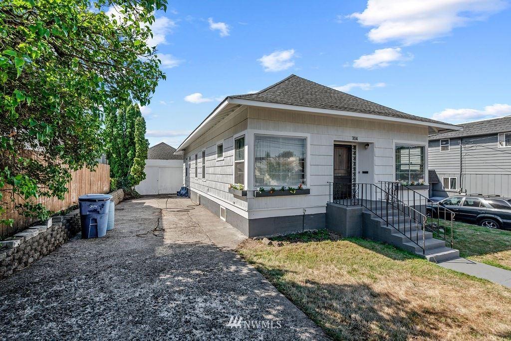 304 Crawford Street, Kelso, WA 98626 - #: 1833183