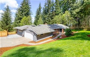 Photo of 17640 SE Cougar Mountain Dr, Issaquah, WA 98027 (MLS # 1450184)