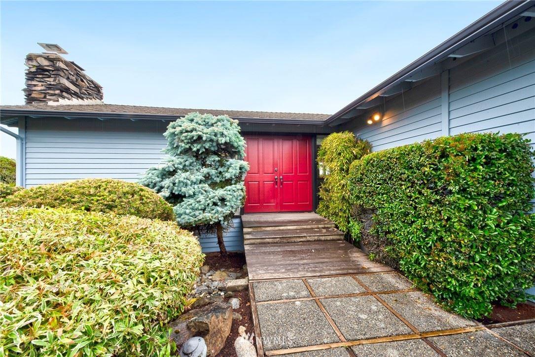Photo of 13900 Somerset Lane SE, Bellevue, WA 98006 (MLS # 1791184)