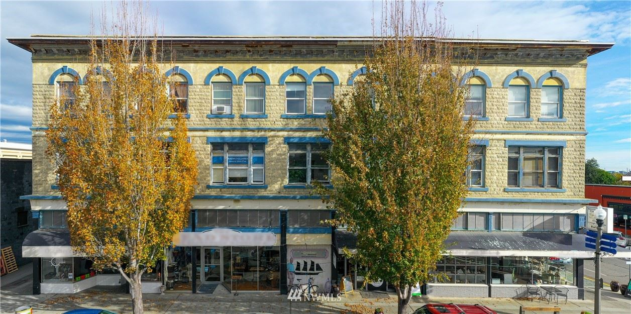 Photo of 615 Commercial Ave, Anacortes, WA 98221 (MLS # 1688185)