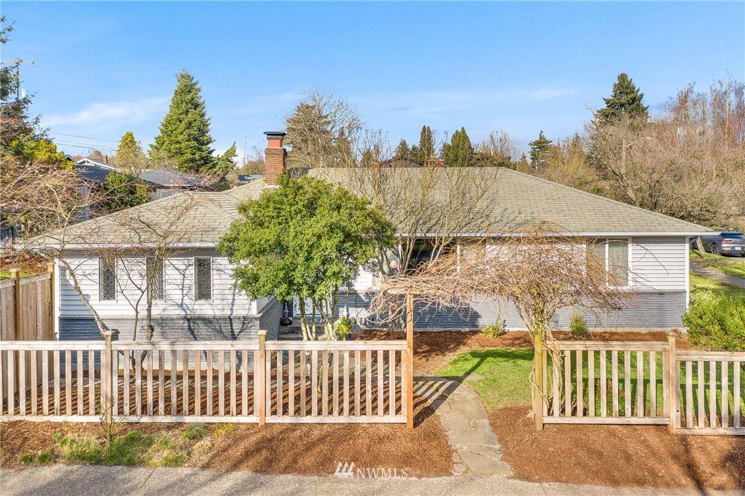 Photo of 3404 SW Henderson Street, Seattle, WA 98126 (MLS # 1729189)