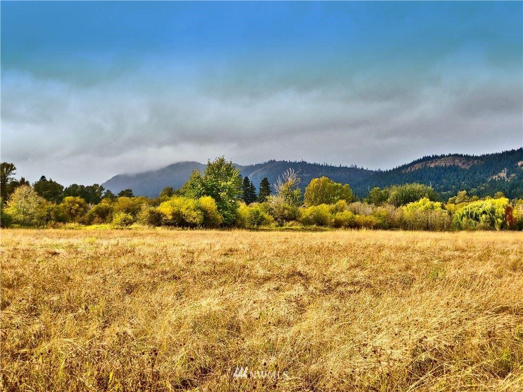 Photo of 0 Three Lakes Road, Cle Elum, WA 98922 (MLS # 1682191)