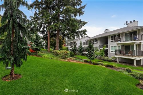 Photo of 15212 NE 8th Street #F8, Bellevue, WA 98007 (MLS # 1680192)