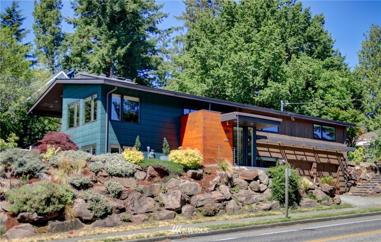 Photo of 7502 30th Avenue NE, Seattle, WA 98115 (MLS # 1797192)