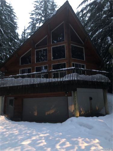 Photo of 352 Rampart Dr, Snoqualmie Pass, WA 98068 (MLS # 1483193)