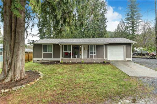 Photo of 13017 W Loop View Dr, Granite Falls, WA 98252 (MLS # 1554195)