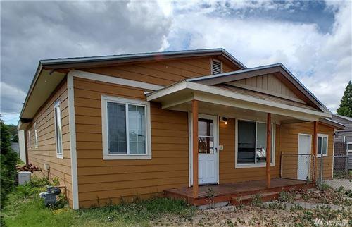 Photo of 1116 Ledwich Ave, Yakima, WA 98902 (MLS # 1606198)
