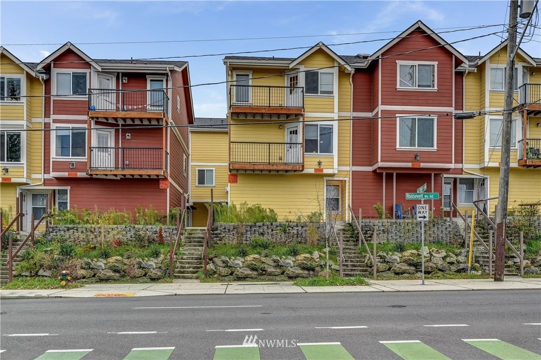 Photo of 5720 Roosevelt Way NE, Seattle, WA 98105 (MLS # 1786198)