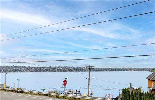 Photo of 3602 Lake Washington Boulevard N, Renton, WA 98056 (MLS # 1855199)