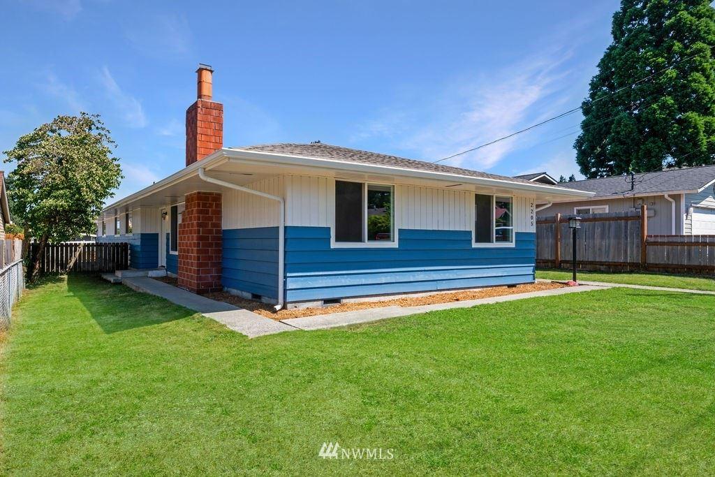 2205 Adams Avenue, Everett, WA 98203 - #: 1816199