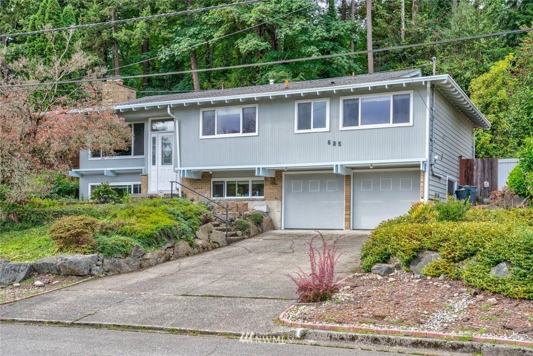 Photo of 625 109th Avenue SE, Bellevue, WA 98004 (MLS # 1678200)