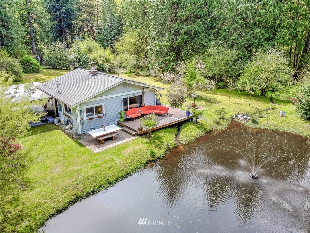 Photo of 14307 250th Place SE, Issaquah, WA 98027 (MLS # 1766201)
