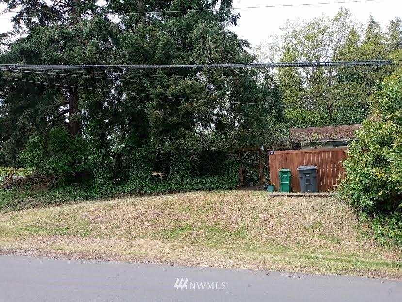 Photo of 1057 S 124th Street, Seattle, WA 98168 (MLS # 1769204)