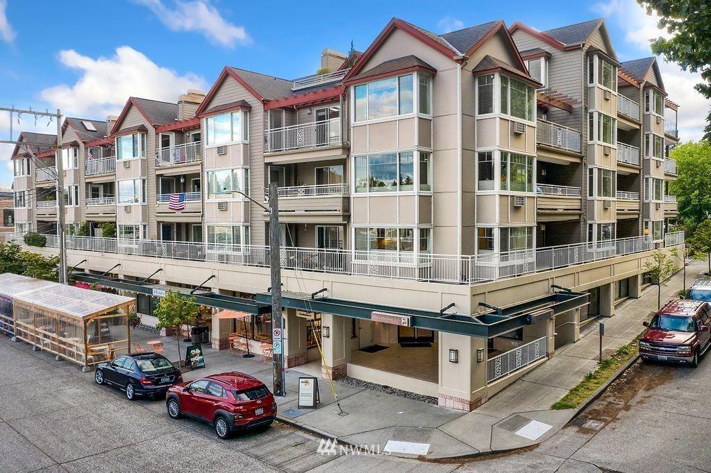 Photo of 2425 33rd Avenue W #308, Seattle, WA 98199 (MLS # 1775204)