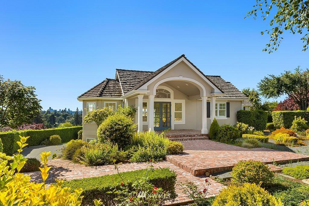 Photo of 9358 Evergreen Drive, Bellevue, WA 98004 (MLS # 1649206)