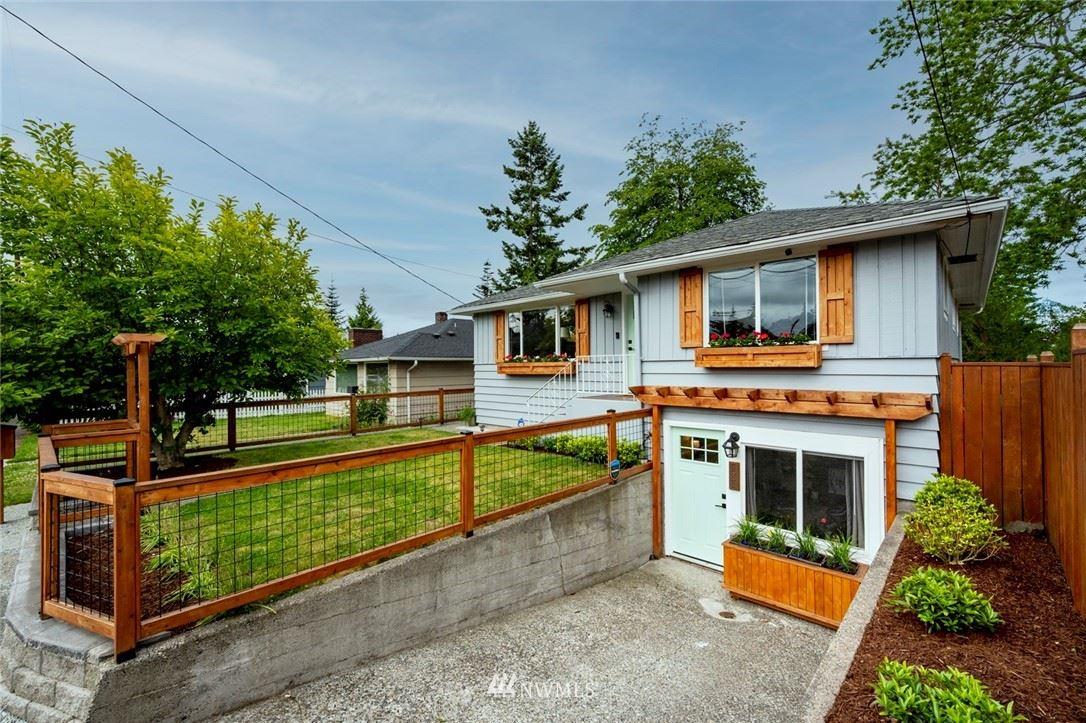 Photo of 8833 16th Avenue SW, Seattle, WA 98106 (MLS # 1780207)